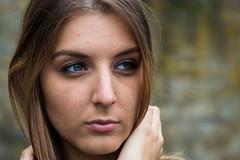 nachdenklich (Raymond Loyal) Tags: frau woman kopfportrait augen mund nase gesicht detail people menschen outdoor haare