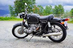 BMW R75/5 (Eric Flexyourhead (shoulder injury, slow)) Tags: old canada classic bike vancouver zeiss vintage downtown bc britishcolumbia motorbike german bmw motorcycle r755 shallowdepthoffield 2016 theshop waterfrontroad 55mmf18 bmwr755 sonyalphaa7 zeisssonnartfe55mmf18za spitnshine 2016spitnshinevintageandcustommotorcycleshowandshine