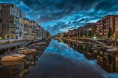 Westhafen (thorsten_fr) Tags: frankfurt main cityscapes boote spiegelung westhafen blaue stunde