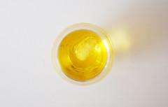 Golden drink (Lala89_Photos) Tags: golden gold yellow gelb stillleben stil life background hintergrund drink getrnk alkohol alcohol
