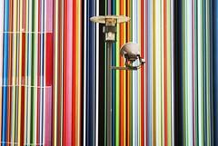 Camouflage (__Thomas Tassy__) Tags: défense paris couleur ligne color oeuvre art lamp city lampadaire france puteaux la colonne cheminée esplanade eos 350d canon moretti photography quartier affaire artistique colorful