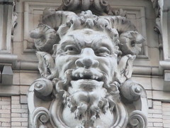 Satyr Gargoyles - The Ansonia Apartment Building 3838 (Brechtbug) Tags: satyr gargoyles the ansonia apartment building now condo upper west side new york city 2109 broadway between 73rd 74th streets built 1899 opened 1904 beaux arts architectural style mansard roof architect paul e m duboy featured 1992 film single white female bridget fonda jennifer jason leigh home pogo cartoonist disney animator walt kelly mobster arnold rothstein athletes jack dempsey babe ruth 8222016 nyc 2016
