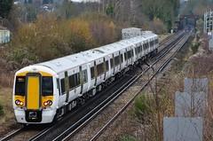 Ooh, shiny. (stavioni) Tags: electric train rail railway southern multiple emu unit electrostar govia thamelink class387 387109 387106