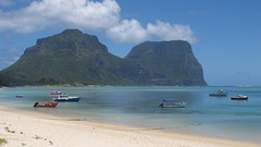 Looking from the Lagoon beach toward Mt Gower (JustinField-Greens) Tags: marinepark lordhoweisland ballspyramid mtgower