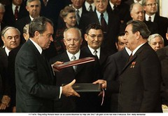 WL002801 (ngao5) Tags: people male men castle history europe european adult audience russia many moscow military president politics group communism american soviet prominentpersons government leader handshake fortification russian fortress groupofpeople easterneurope kremlin clapping marxism global richardnixon cooperation applauding northamerican foreignminister militaryfortification headofstate leonidbrezhnev governmentofficial politicalleader centralfederaldistrict chairmen largegroupofpeople caucasianethnicity governmentminister nikolaipodgorny supremesoviet greatkremlinpalace andreigromyko easterneuropeandescent alexeikosygin easterneuropeanculture strategicarmslimitationtalks saltitreaty
