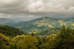 Lassouts 146.jpg (vossemer) Tags: frankreich natur himmel berge aussicht fr wetter ausblick landschaften stimmungen lassouts languedocroussillonmidipyrnes languedocroussillonmidipyrn