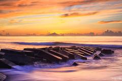晨~龜山島~Sunrise (Estrella Chuang 心星) Tags: 龜山島 日出 宜蘭 永鎮 sunrise water sky coulds 天空 雲 estrella 心星