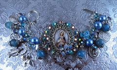 Virgin Mary Gemstone and Pearls Charm Bracelet (inspirational) Tags: religiousjewelry handmade handcrafted catholicjewelry religiouscharmbracelet joyeriacatolica joyeriareligiosa pulserareligiosa pulseracatolica wings alas gemstone piedrassemipreciosas jade blue catholiccharmbracelet catholicmedals saintsmedals virginmary divinemercy stpeter ourladyofmiraculousmedal virgenmaria sanpedro divinamisericordia archangelstmichael stbenedict sanbenito arcangelsanmiguel pearls