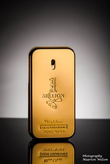 Gold (maartenwelzen) Tags: product high advertisement light modern black gold macro commercial photography