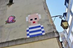 Invader + Gzup_7807 Paris 03 (meuh1246) Tags: streetart paris monalisa spaceinvaders invader joconde paris03 pablopicasso mosaque leonarddevinci rueduparcroyal gzup