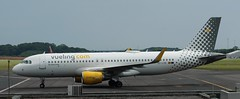 Airbus A320: 5533 EC-LVO A320-214(WL) Vueling Newcastle Airport (emdjt42) Tags: eclvo newcastleairport a320 vueling