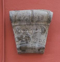 Monteforte Irpino (AV), 2016, Centro storico. bassorilievo con sole e luna. (Fiore S. Barbato) Tags: italy campania irpinia monteforte irpino partenio escursione escursioni sentiero sentieri bassorilievo sole luna
