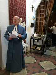 Pay attention ... (goforchris) Tags: cumbrae cathedraloftheisles scottishepiscopalchurch anglican celebrations 140years dioceseofargyllandtheisles choralevensong preparations