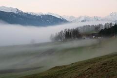 Innsbruck im Morgennebel (Ernst_P.) Tags: cloud fog clouds tirol sterreich nebel herbst himmel wolke wolken nubes landschaft niebla brouillard innsbruck brume aut bruma nockspitze arzl gara