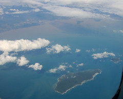 Img439099nx2_conv (veryamateurish) Tags: flight flightfromsingaporetohongkong paracels paracelislands china vietnam southchinasea sea aeroplane aircraft view island