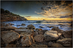 (042/15) Cala Llisera (Benidorm) (Pablo Arias) Tags: espaa naturaleza nature photoshop mar spain agua nikond50 alicante cielo nubes atardeceres calas hdr benidorm smrgsbord acantilados largaexposicion photomatix sigma1020 olequebonito greatmanipulart grouptripod oltusfotos goldenvisions pabloarias