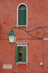 Murano - Venise. (caramoul25) Tags: murano venise venezia venice lanterne rverbre rouge fentre volet caramoul25