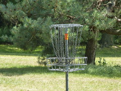Disc Golf (Thomas Kelly 48) Tags: panasonic lumix fz150 canada ontario toronto torontoisland discgolf