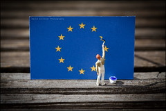 'Disunited' (Pikebubbles) Tags: macro miniatures miniature miniatureart creative mini figurines tiny littlepeople figurine itsasmallworld smallworld thelittlepeople davidgilliver davidgilliverphotography brexit