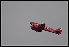 de HAVILLAND DH.88 COMET. 1 (adriangeephotography) Tags: sport photography flying fighter display aircraft aviation military transport jet saturday sigma hampshire airshow civil planes ww2 adrian gee bomber propeller farnborough d300 2016 150600 adriangeephotography