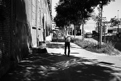 brickz (gato-gato-gato) Tags: 35mm asph ch iso200 ilford leica leicamp leicasummiluxm35mmf14 mp mechanicalperfection messsucher schweiz strasse street streetphotographer streetphotography streettogs suisse summilux svizzera switzerland wetzlar zueri zuerich zurigo zrich analog analogphotography aspherical believeinfilm black classic film filmisnotdead filmphotography flickr gatogatogato gatogatogatoch homedeveloped manual rangefinder streetphoto streetpic tobiasgaulkech white wwwgatogatogatoch zrich leicam6 m6 manualfocus manuellerfokus manualmode schwarz weiss bw blanco negro monochrom monochrome blanc noir strase onthestreets mensch person human pedestrian fussgnger fusgnger passant zurich