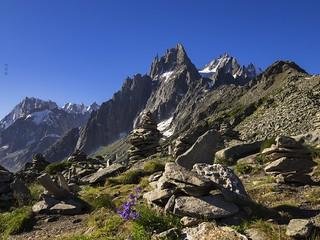 Hiking the Montenvers-Plan de l'Aiguille trail ! Sur le sentier Montenvers-Plan de l'Aiguille !