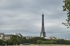 Torre Eiffel 1 (CarlosJ.R) Tags: pars torre torreeiffel eiffel francia sena puente