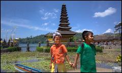 Bali-Photo-Tour-smile-boys