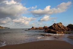 Punta des Canó (Albert T M) Tags: catalonia nubes catalunya costabrava platja blanes lloretdemar núvols catalogne mediterrani treumal calatreumal platjadesantacristina puntadescanó beachesofcostabrava