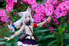 Reaching the flower (gwennan) Tags: lucier flare 7thdragon2020ii 7thdragon2020 toy pvc jfigure japan figures figure cute colors closeup color anime macro