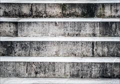 My Macro Mondays and #FlickrPhotowalk (Giuseppe Tripodi) Tags: macromondays macrotextures flickrphotowalk linee architettura stretto motivo textures