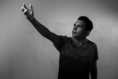 The signal (j.raziiel) Tags: portrait contraste retrato man men hombre persona seal signal black white blanco negro