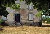 L'arrivée — Jézabel, Creuse, juillet 2016 (Stéphane Bily) Tags: stéphanebily creuse ja jeunefille maison house marronnier portrait retrato
