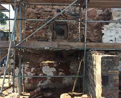 Old fireplace hidden in a gable end. (dougie.d) Tags: mauchline poosienansies pub coachinginn publichouse hostelry robertburns 18c 19c fireplace hearth ayrshire scotland