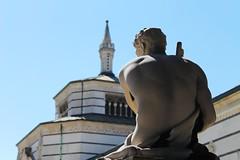 Back (kiichan20) Tags: milano milan cementery cimitero monumentale statua scultura statue sculpture back schiena grave tomba