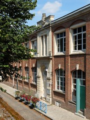 AMIENS : Ecole rue de Metz-l'vque (xavnco2) Tags: amiens somme picardie france rue metzlvque cole school scuola