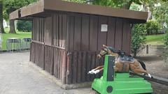 22-09-2016 021 (Jusotil_1943) Tags: 22092016 chiringuito parque caballo marron caseta