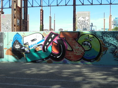 162 (en-ri) Tags: kobra killer bujo nero facce faces arancione torino wall muro graffiti writing parco dora