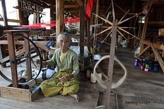 Craftswoman -  Mianmar (Cassio Piccolo) Tags: artesã craftswoman artesanato people pessoa awesomeasia aasia earthasia