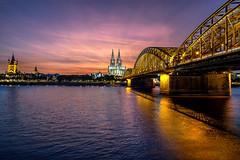 Spectaclar sunset in Cologne (bluzuk84) Tags: deutschland ferien longexposure nachtaufnahme night nightshot nordrheinwestfalen de cologe bluehour nacht sunset koeln spectacular sonnenuntergang