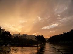 黄金时刻/The Golden Moment (KAMEERU) Tags: sunset campus zhuhai