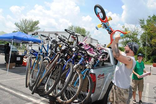 Free Ride -- loading bikes
