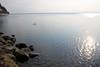 琵琶湖の北部の岸は岩だらけです (萬名 游鯏(ヨロズナ) / Yorozuna) Tags: lake reflection japan lakefront shiga biwako watersurface 湖 makino 琵琶湖 takashima lakebiwa びわ湖 水面 反射 滋賀県 湖面 岸 海津 lakesurface 湖岸 反射光 海津大崎 高島市 岸辺 kaidu マキノ町 kaiduosaki