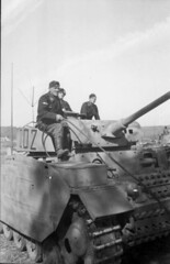 """Panzer III & its crew • <a style=""""font-size:0.8em;"""" href=""""http://www.flickr.com/photos/81723459@N04/16805063846/"""" target=""""_blank"""">View on Flickr</a>"""