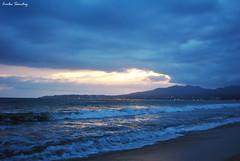 Un atardecer en las olas... (spawn5555) Tags: naturaleza sol mexico atardecer mar agua nikon natural cotidiano playa paisaje nayarit bucerias olas orilla d3000