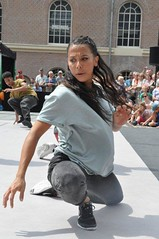 Compagnie Dyptik - D - Construction (c) Henry Krul (20) (Henry Krul) Tags: dance construction outdoor d henry op hip hop dans krul deventer straattheater streettheatre 2016 stelten dyptik