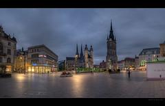 Marktplatz am Abend (p h o t o . w o r l d s) Tags: martplatz hallesaale sachsenanhalt deutschland beautifullight abendlicht hdr photomatix tonemapping fujixt10 fuji14mm28 photoworlds