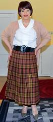 Birgit022579 (Birgit Bach) Tags: pleatedskirt faltenrock blouse bluse cardigan strickjacke