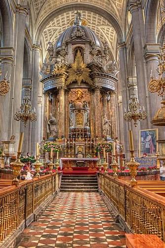 Baldaquino del Altar Mayor, Catedral de Puebla, Pue.