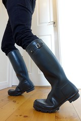 In the black... (essex_mud_explorer) Tags: hunter wellies wellingtons wellington rubber boots welly wellingtonboots hunterboots rainboots rainwear rubberlaarzen gummistiefel gumboots madeinscotland vintage gates black